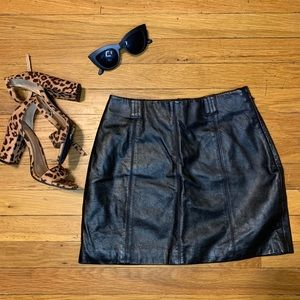 ✨VINTAGE✨ Authentic Wilson's Leather Mini Skirt